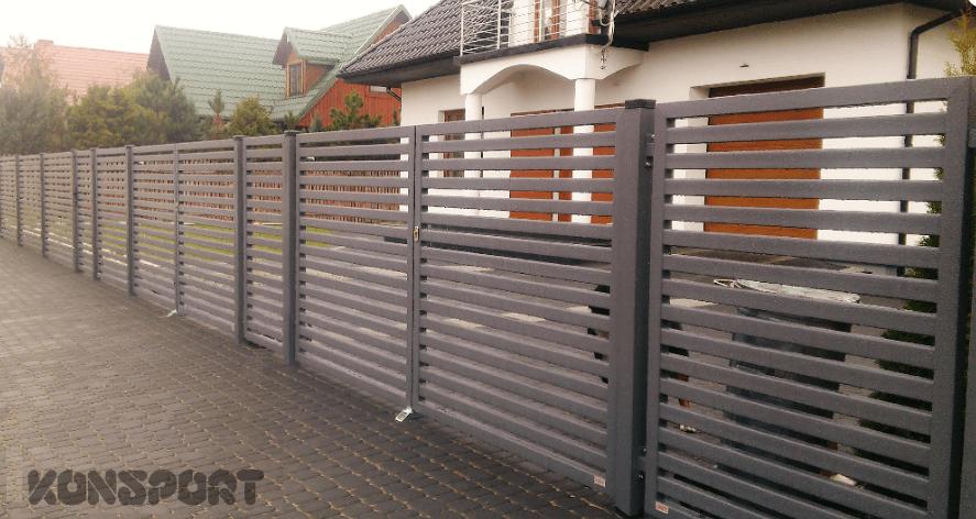 Brama skrzydłowa wypełniona palisadą (P64)