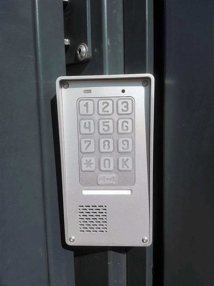 ogrodzenie palisadowe KONSPORT P82 Border domofon z szyfratorem