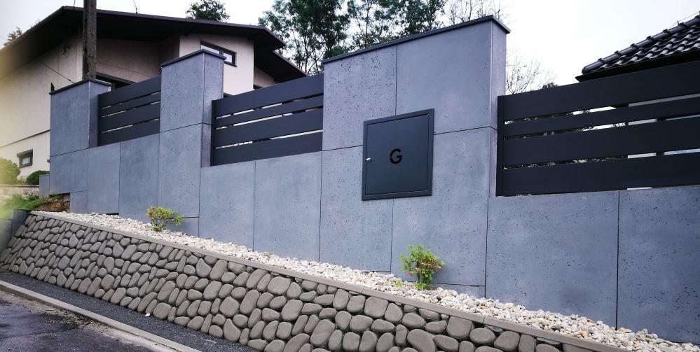 Płyty z betonu architektonicznego DECOBETON Ogrodzenie ALUgate 2